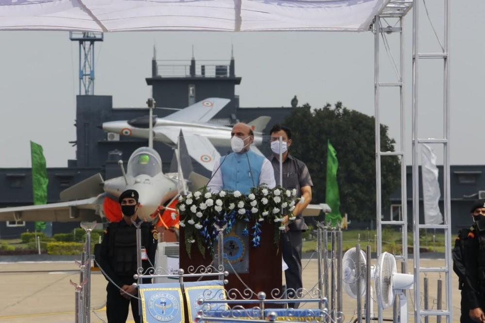 Церемония по въвеждане на въоръжение във ВВС на Индия на изтребителите Dassault Rafale