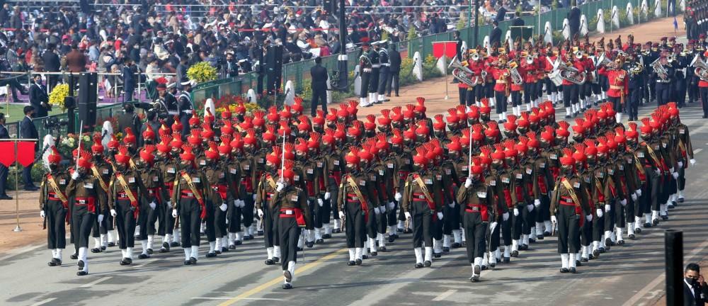 Впечатляващ военен парад в Индия (видео и фотогалерия)