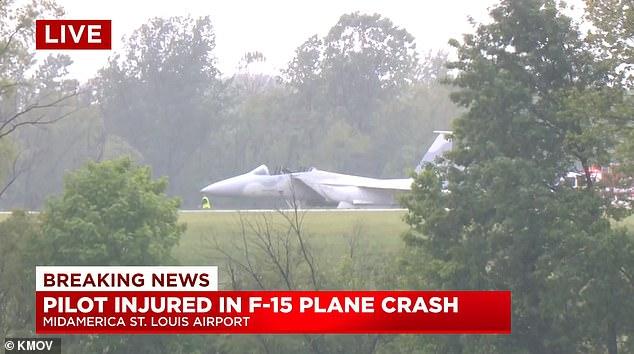 Двама пилоти на F-15QA са се катапултирали от пистата на летище в САЩ
