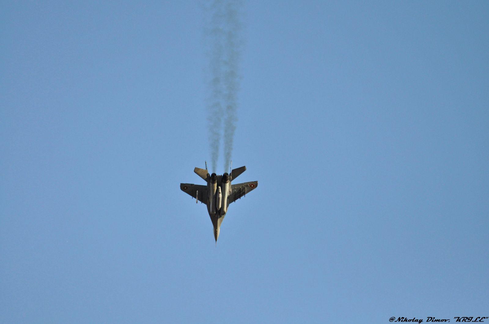 ПЪРВИЯТ ИЗЦЯЛО РЕМОНТИРАН МИГ-29 НА БЪЛГАРСКИТЕ ВВС ВЕЧЕ Е ГОТОВ, ПРЕДСТОИ ДА БЪДЕ ОБЛЕТЯН! ЗАРАДИ ПАНДЕМИЯТА: ИМА ЗАБАВЯНЕ В РЕМОНТА НА ИЗТРЕБИТЕЛИТЕ НИ