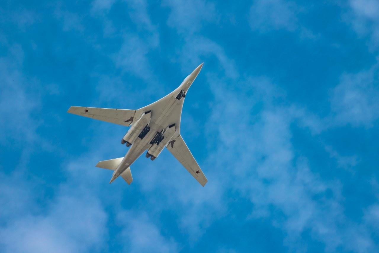 Снимки от пребазирането на двата руски стратегически бомбардировачи в Чукотка