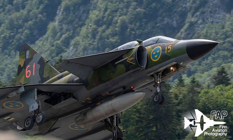 Saab Sk37E Viggen на швейцарското авиошоу Zigermeet-19