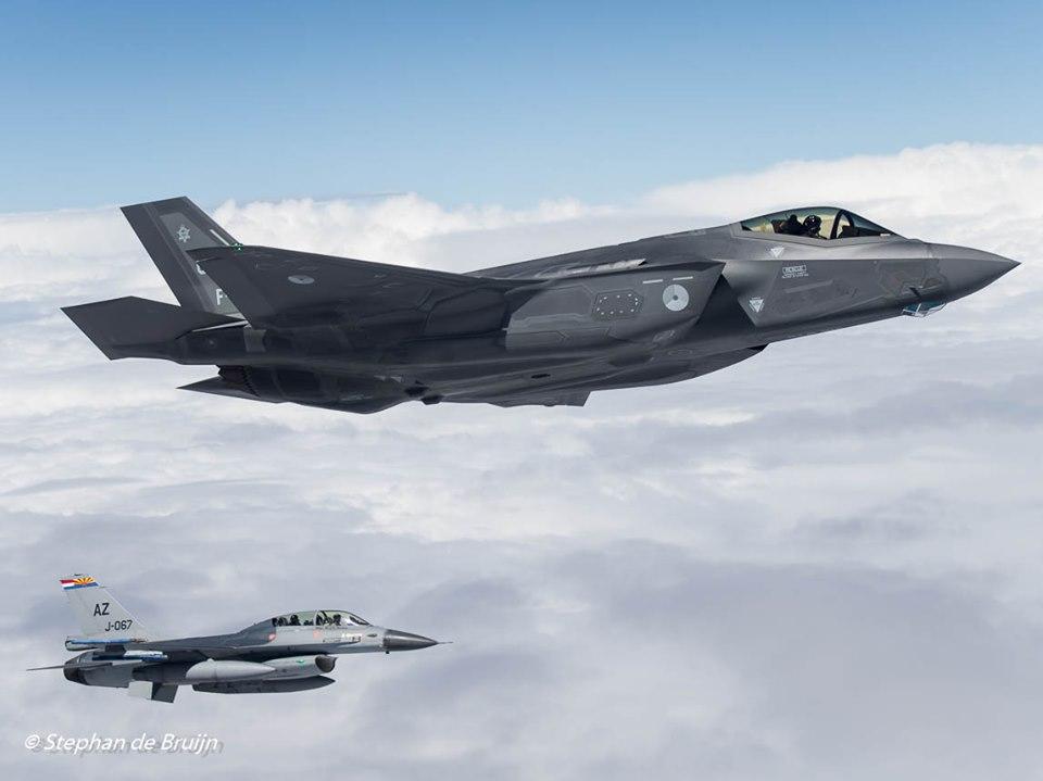 """Холандия купува още девет """"стелт"""" изтребителя F-35А"""