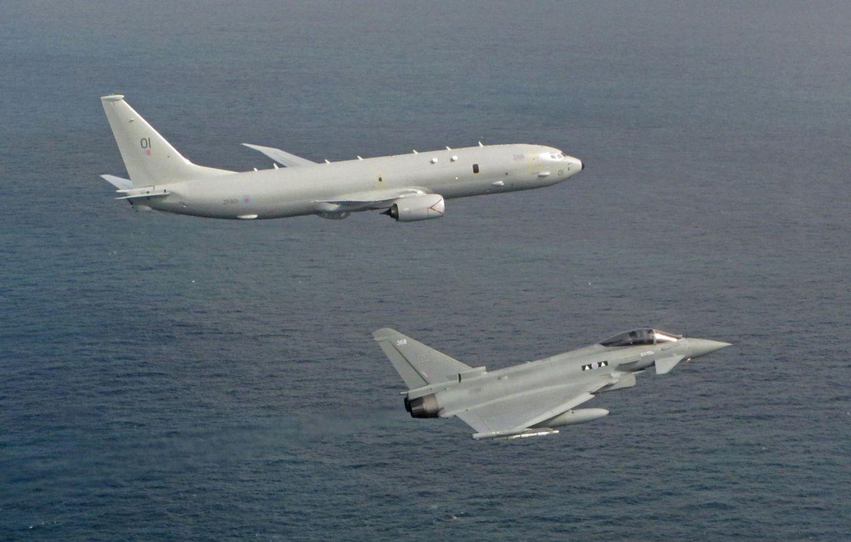 Първи оперативен полет на британския  патрулен самолет Poseidon MRA.1