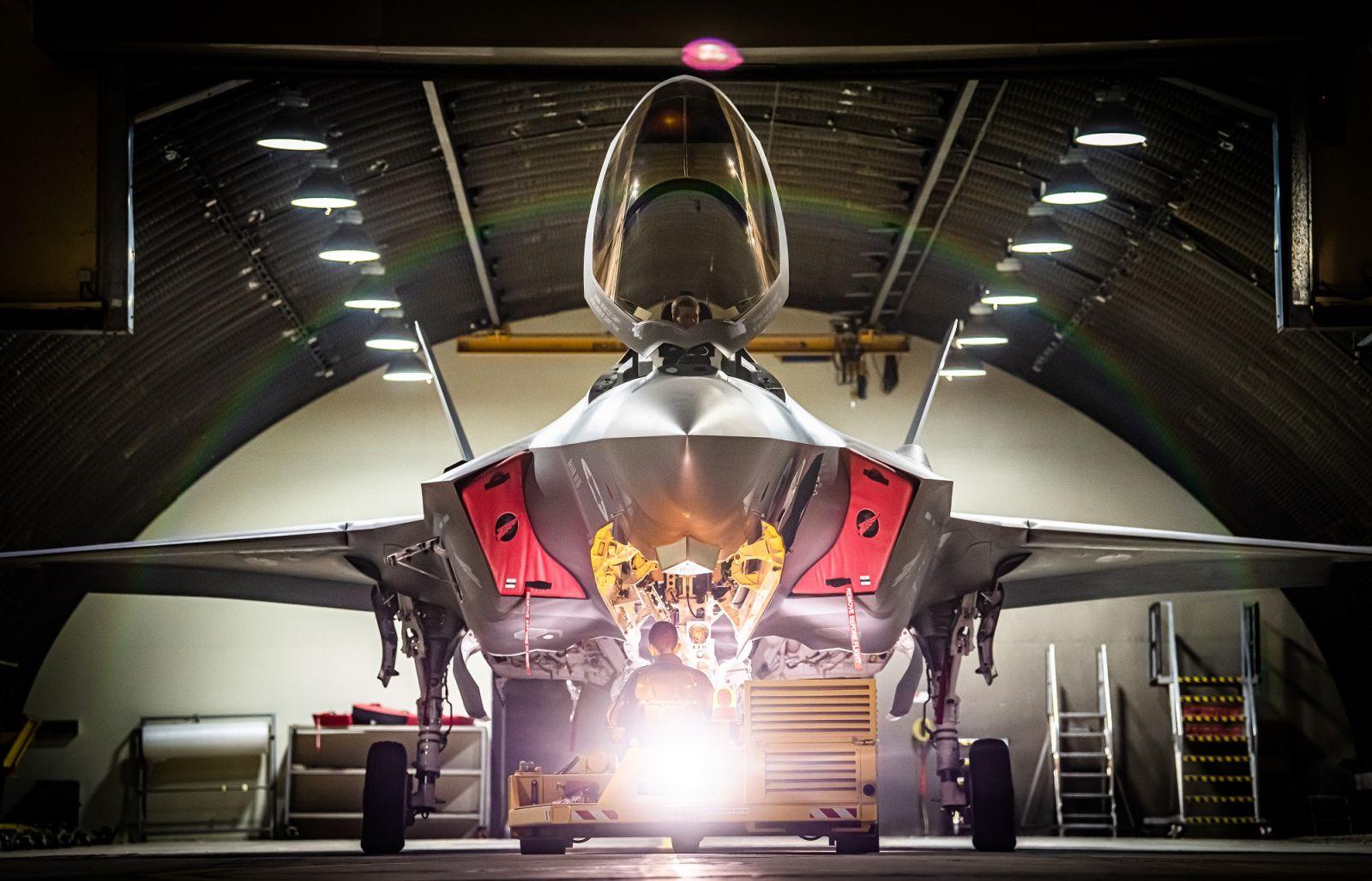 """Израелските ВВС с втора боеготова ескадрила с F-35I """"Adir"""" (изключителна фотогалерия)"""