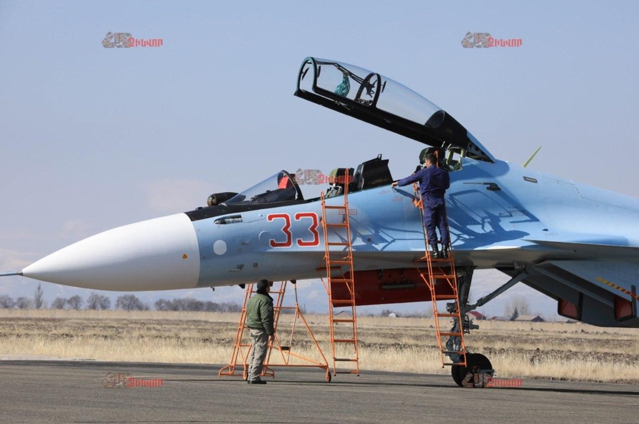 Първи полети на ВВС на Армения със Су-30СМ