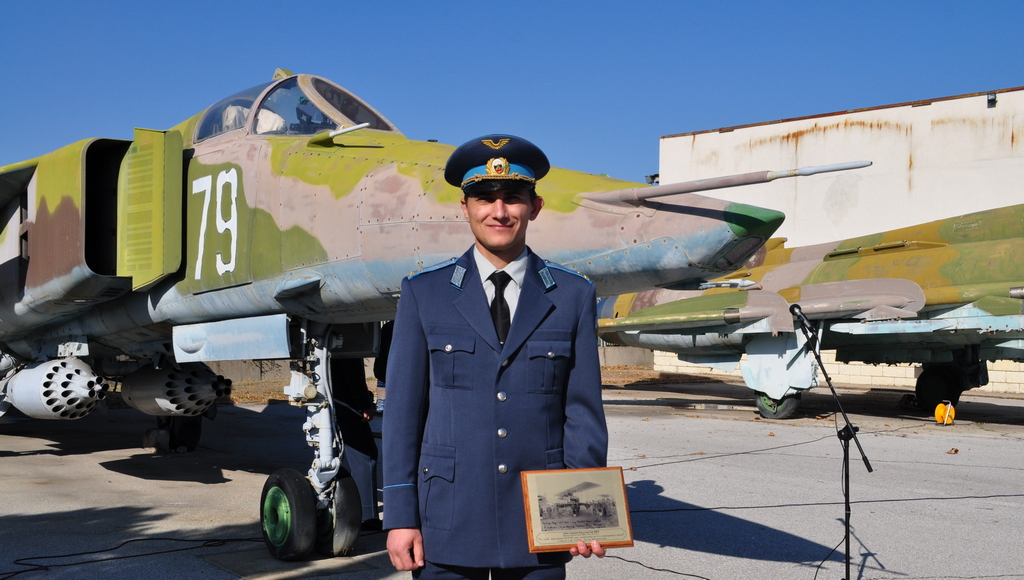 """Награди на сп. """"Клуб КРИЛЕ"""" за 2018 г. за отличили се военнослужещи от ВВС"""