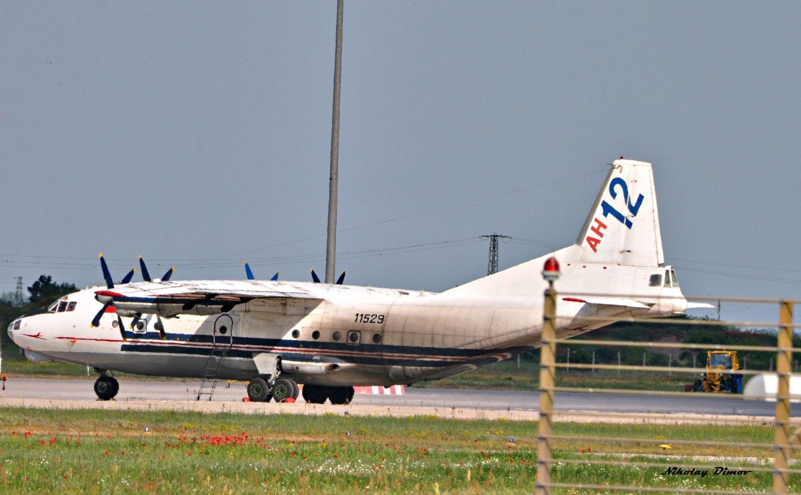 На летище Пловдив – руски Ан-12, италиански М-346 и С-27J Spartan (снимки)