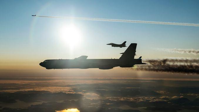 Американските В-52, временно дислоцирани в Европа, се завърнаха в САЩ