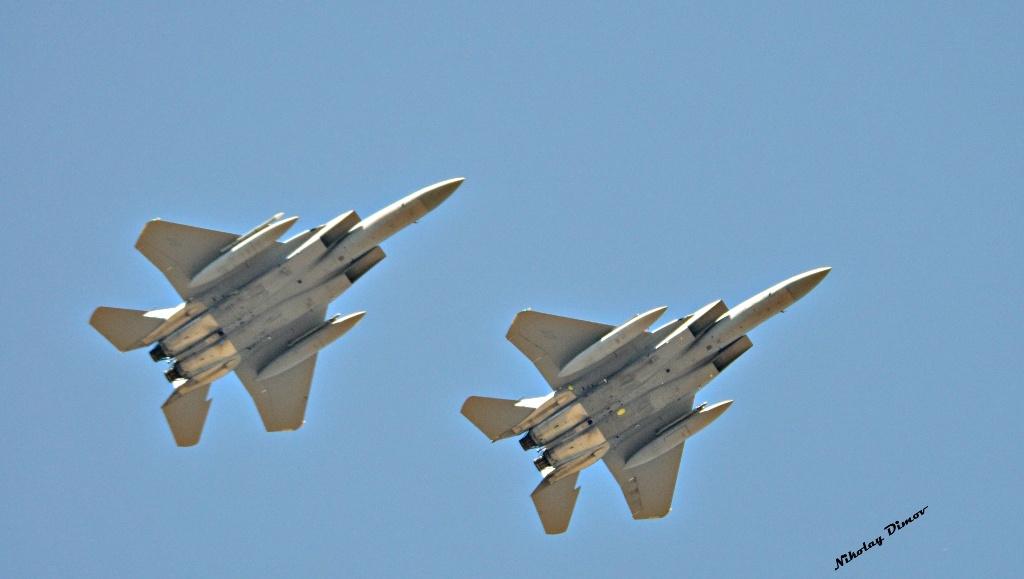 """САМО В ПАН.БГ: Дванадесет американски изтребителя F-15 кацнаха в авиобаза Граф Игнатиево за учението """"Тракийски орел 2017"""" (снимки)"""