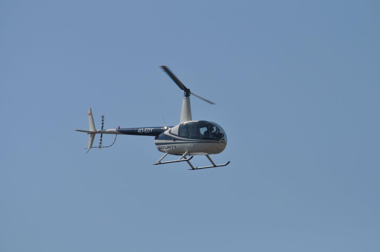 Фотофакт: Хеликоптер ROBINZON R44 над Пловдив