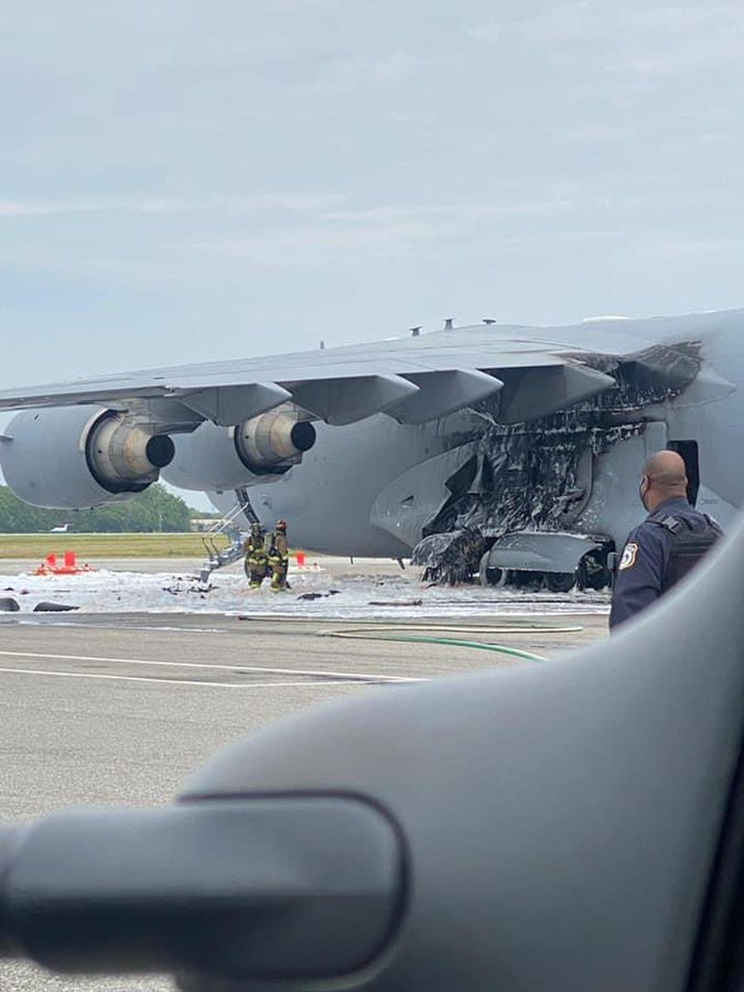 Пожар при кацане на  американски ВТС C-17A Globemaster III
