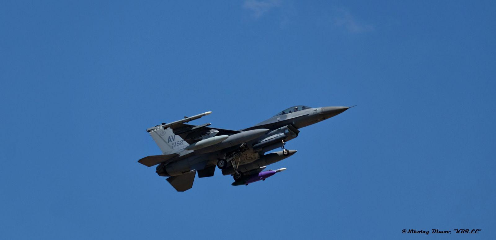 """През седмицата: F-16 от ВВС на САЩ кацнаха в авиобаза Граф Игнатиево за учeнието """"Тракийска звезда 2021"""" (ФОТОГАЛЕРИЯ)"""