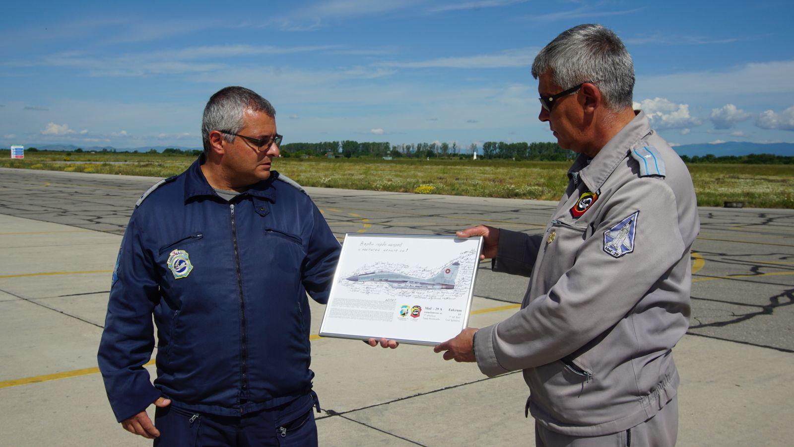 М-р Мирослав Лумбев – командирът на ЕОПАТ в авиобаза Граф Игнатиево завърши професионалния си път в българските ВВС