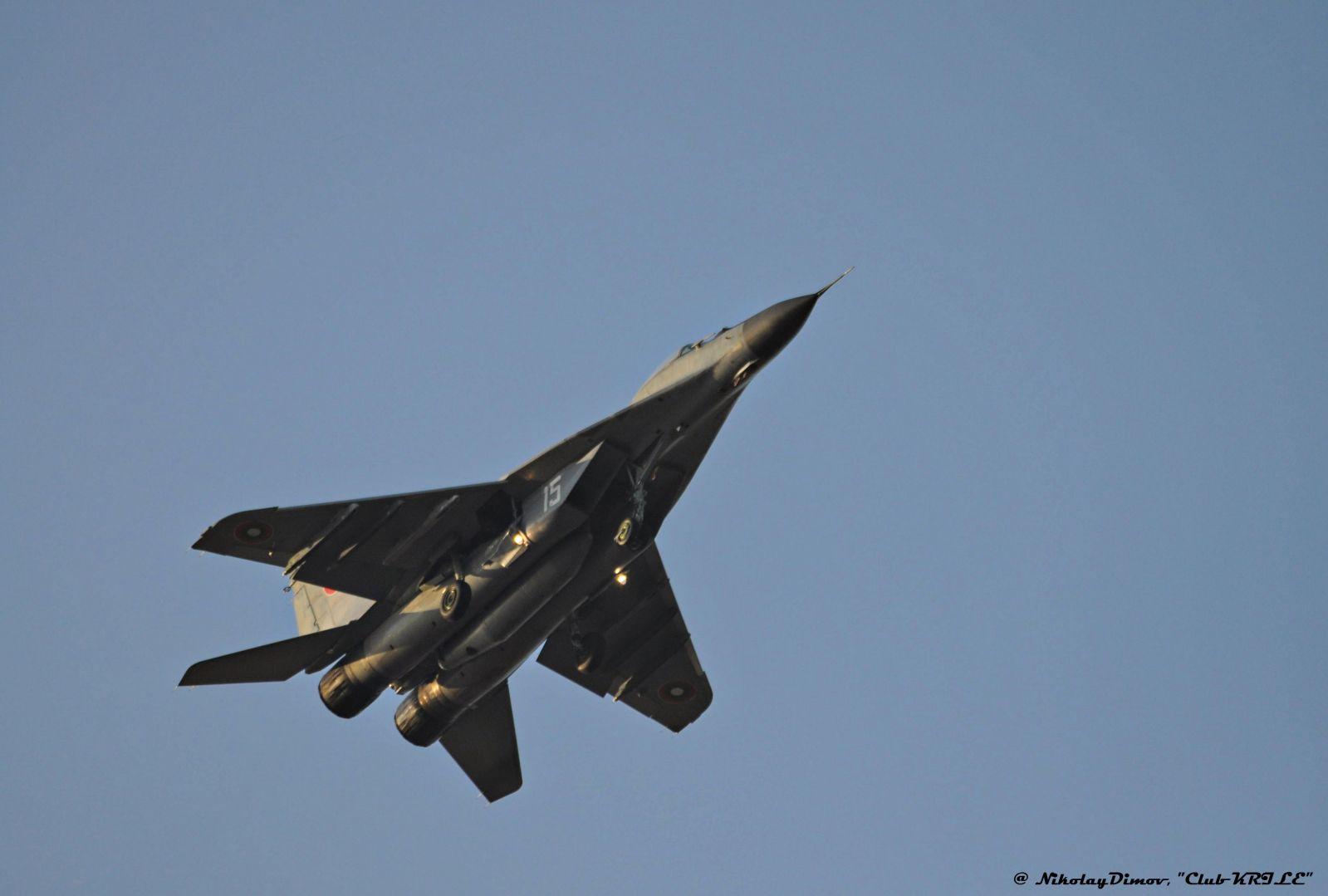 ГАЛЕРИЯ: ПЪРВИ ПОЛЕТИ ЗА ГОДИНАТА С МИГ-29 В АВИОБАЗА ГРАФ ИГНАТИЕВО!