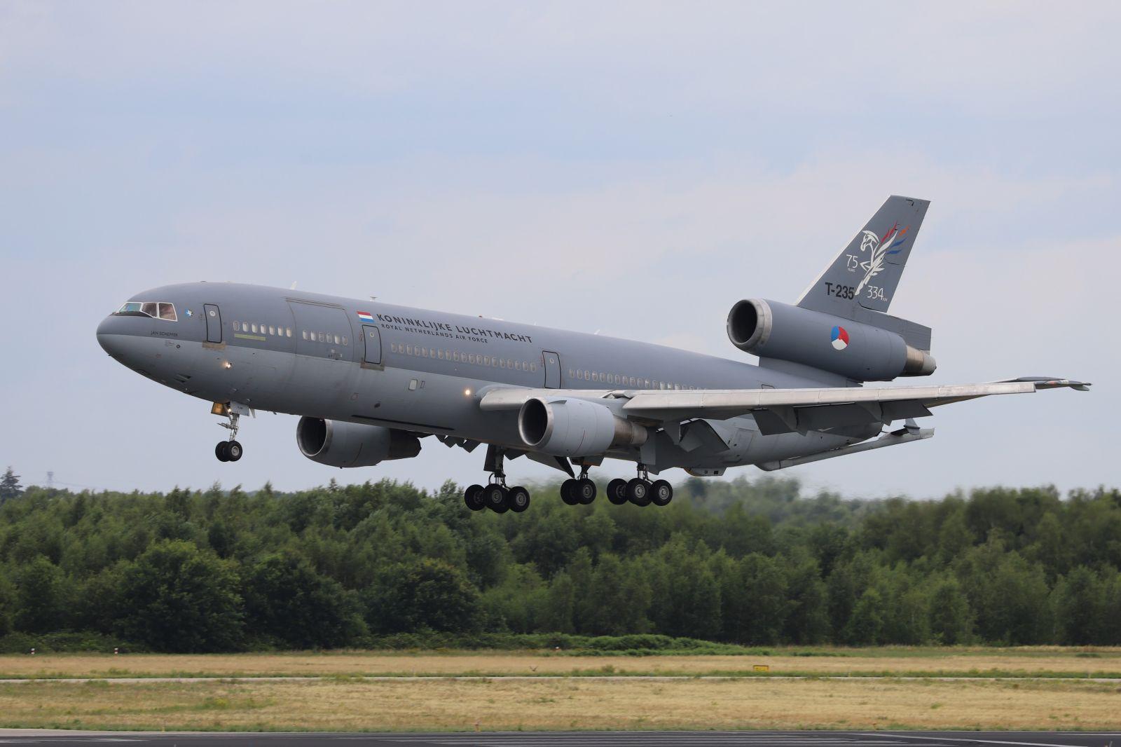 Мащабни авиационни учения в Нидерландия
