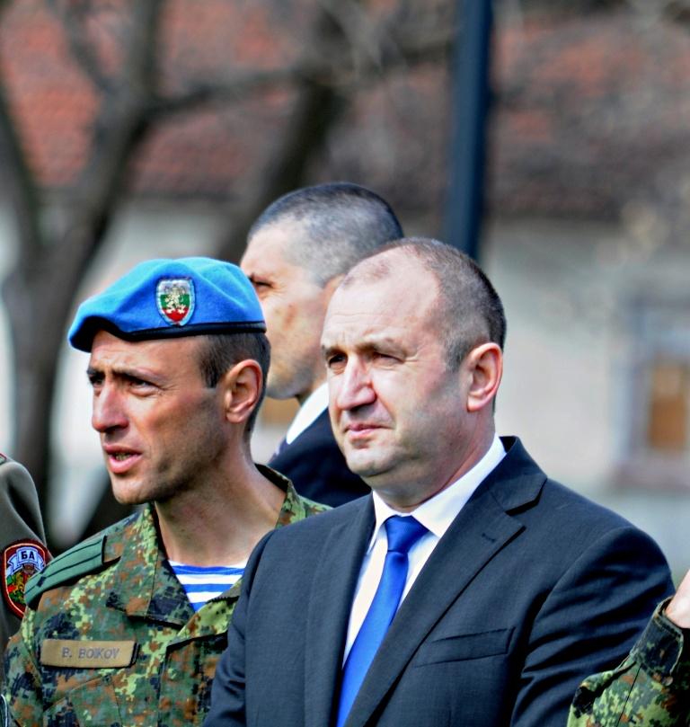"""Командосите от 68-а бригада """"Специални сили"""" демонстрира част от своите умения пред президента (снимки и видео)"""