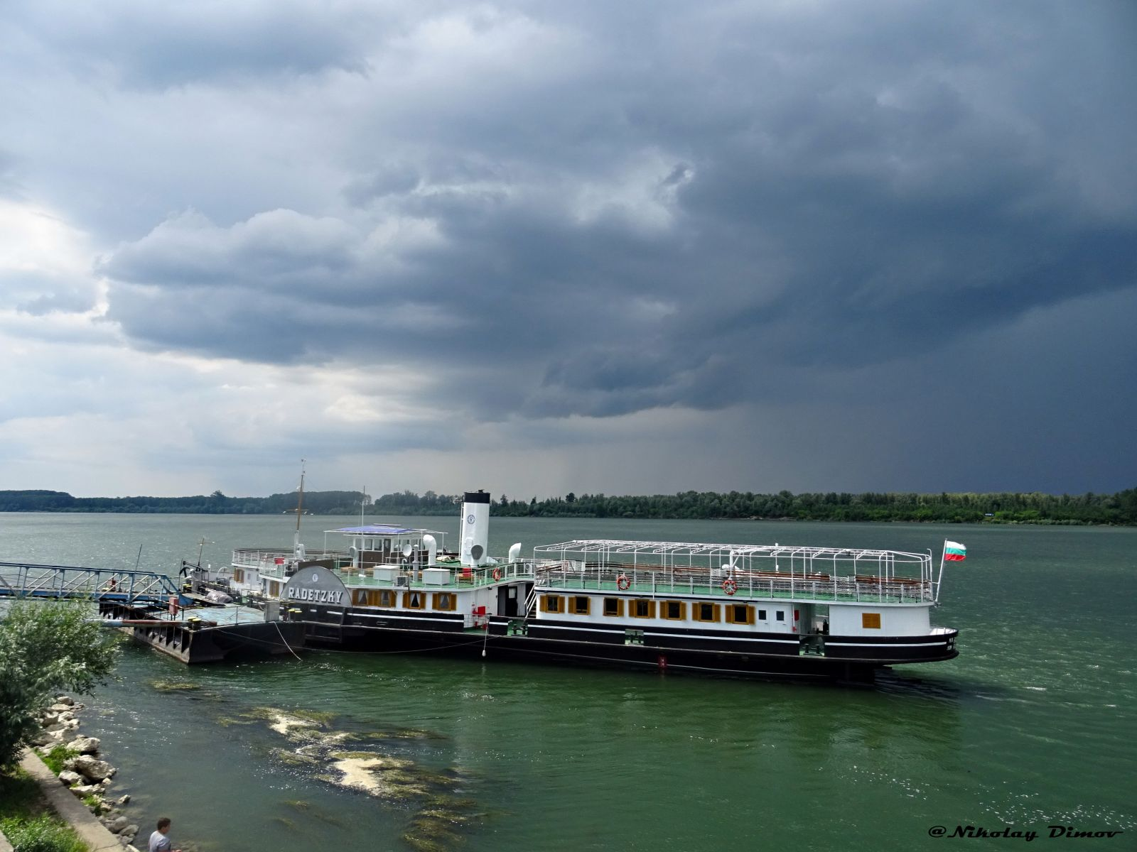 """Корабът-музей """"Параход Радецки""""  все още е затворен за посетители... (фотогалерия)"""