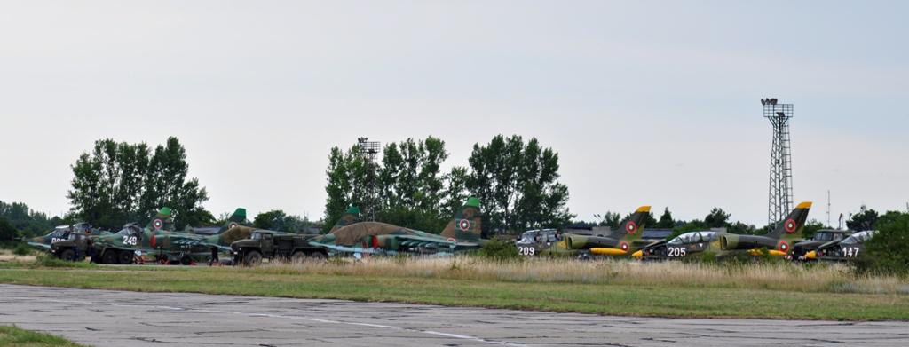 ДИРЕКТНО СЪС СНИМКИ: ИНТЕНЗИВНИ ПОЛЕТИ НА СУ-25, МИ-24, L-39ZA И COUGAR ОТ ЛЕТИЩЕ БАЛЧИК!