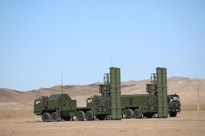 Видео: Първи стрелби със ЗРК FD-2000 в Узбекистан