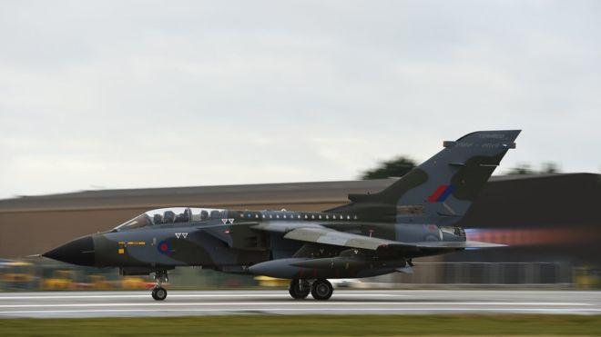 Британските изтребител-бомбардировачи Tornado се изваждат от оперативно използване (видео)