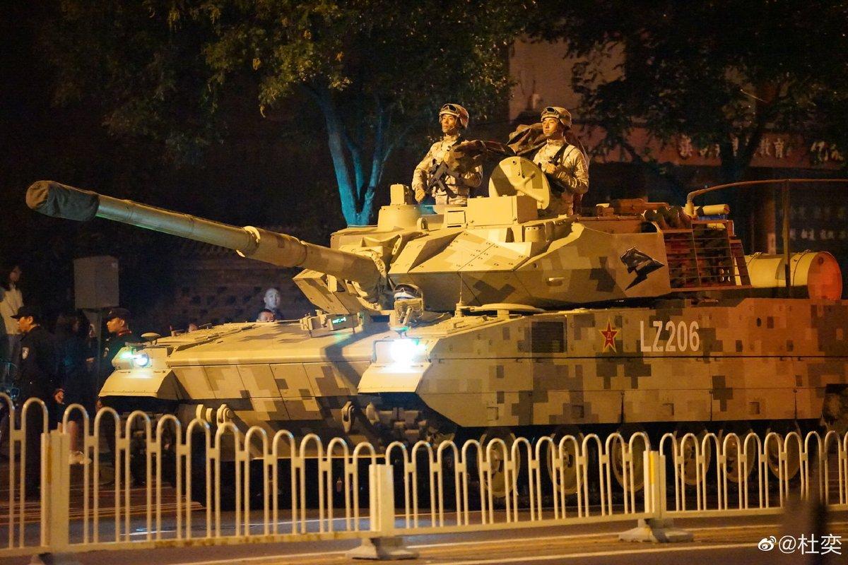 Нови образци бойна техника ще бъдат показани за първи път на военния парад в Пекин