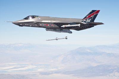 F-35 и AIM 120