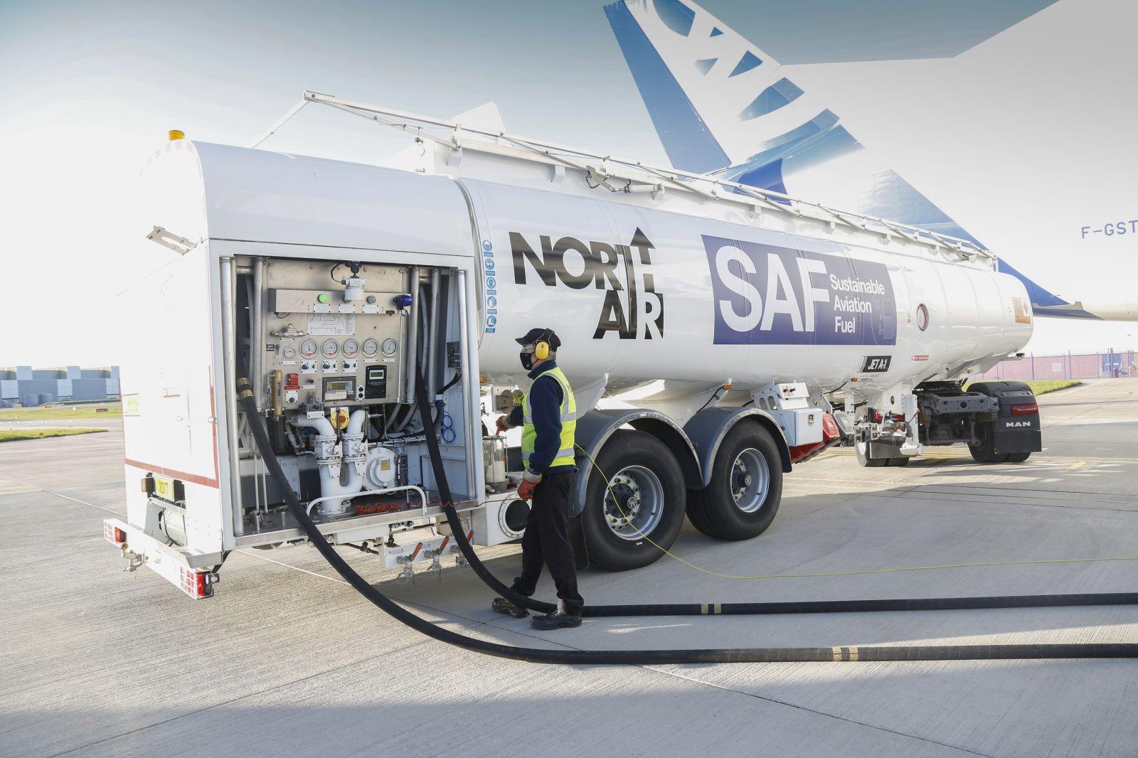 Airbus допълнително намалява въздействието върху околната среда от транспортните самолети Beluga с горивото SAF (ЕКСКЛУЗИВНИ СНИМКИ)