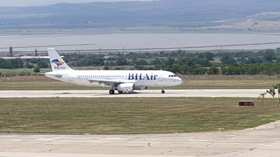 BH Air откри чартърния сезон в Бургас с полет от Дания