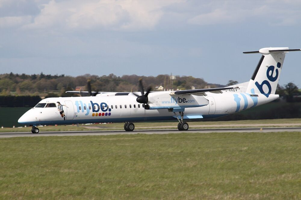 Нов живот за 11 самолета Q400 на Flybe - Conair ги купи за пожарогасене