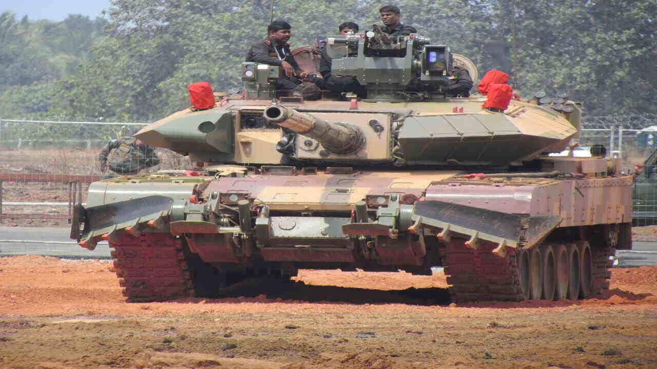 МО на Индия направи поръчка за 118 ОБТ Arjun Mk-1A за индийската армия