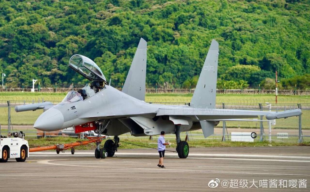 Airshow China-2021: Китай представи J-16D - нов самолет за РЕБ, китайският отговор на EA-18G Growler (ЕКСКЛУЗИВНА ГАЛЕРИЯ)