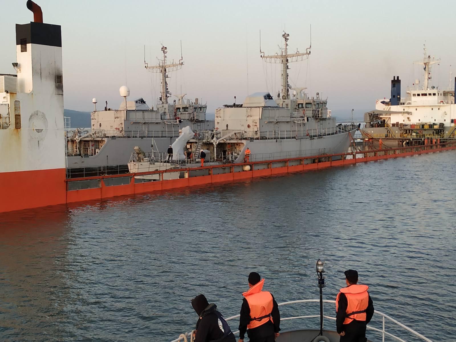"""Двата нови """"втора ръка"""" минни ловци бяха спуснати на вода във Варна (ГОЛЯМА РАЗТОВАРНА ГАЛЕРИЯ)"""