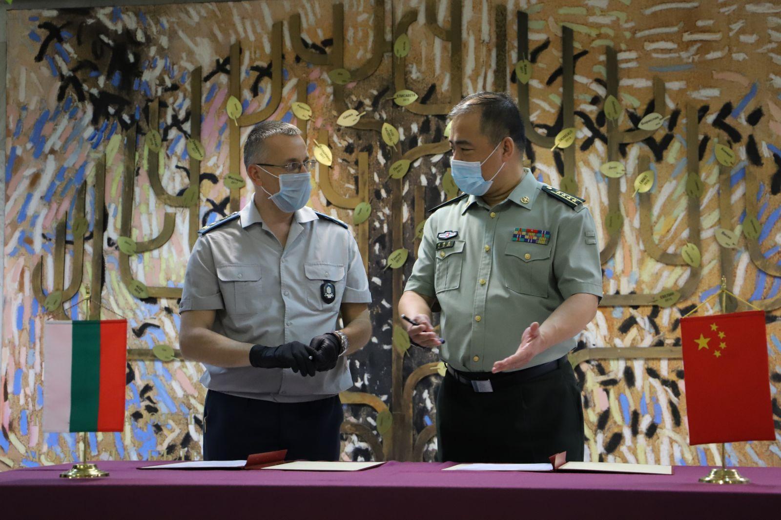 Военномедицинска академия получи дарение от защитни медицински средства от Министерството на националната отбрана на Китайската народна република