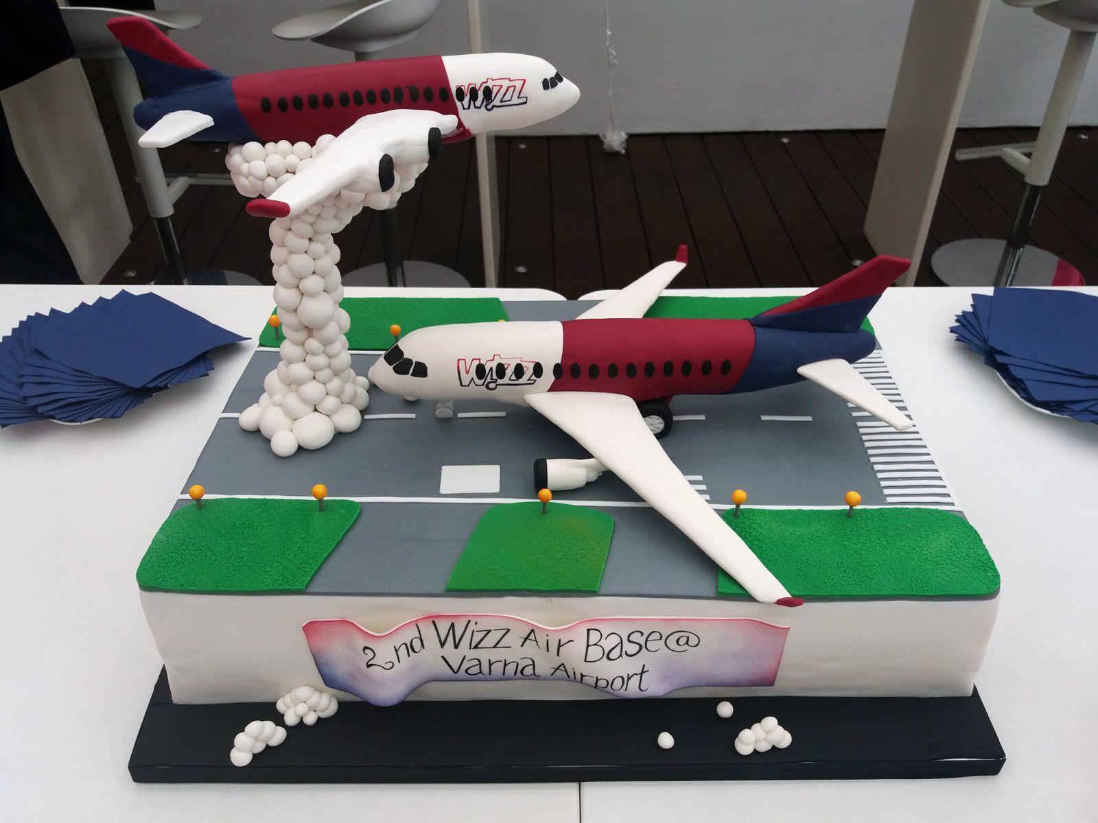 Wizz Air с 6 нови маршрута и нов самолет във Варна (ГОЛЯМА ПРАЗНИЧНА ГАЛЕРИЯ)