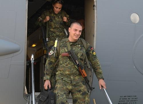 Военнослужещите от последния 42-и контингент се завърнаха след успешно участие в мисията на НАТО в Афганистан (ГОЛЯМА ГАЛЯРИЯ ОТ ПОСРЕЩАНЕТО~