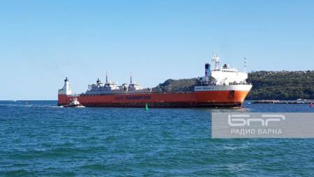 """ГОРЕЩО: Новите кораби """"втора ръка"""" на ВМС пристигнаха днес във Варна (ГАЛЕРИЯ)"""