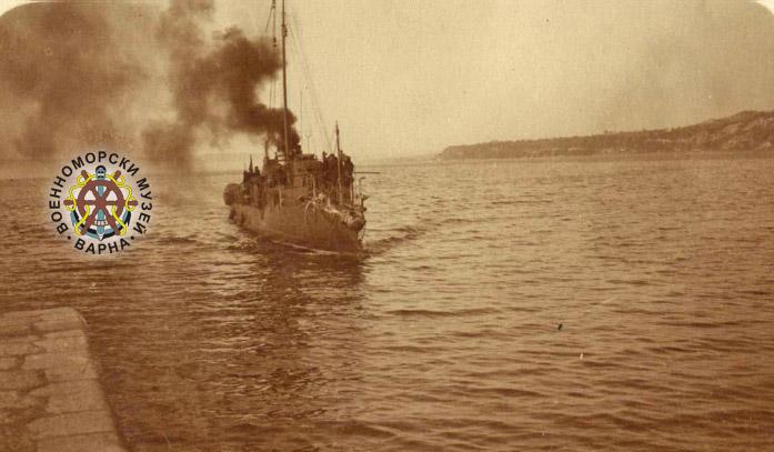 """Почит към загиналите при потъването на торпедоносеца """"Смели"""" на 19 май 1943 г. (ГАЛЕРИЯ)"""