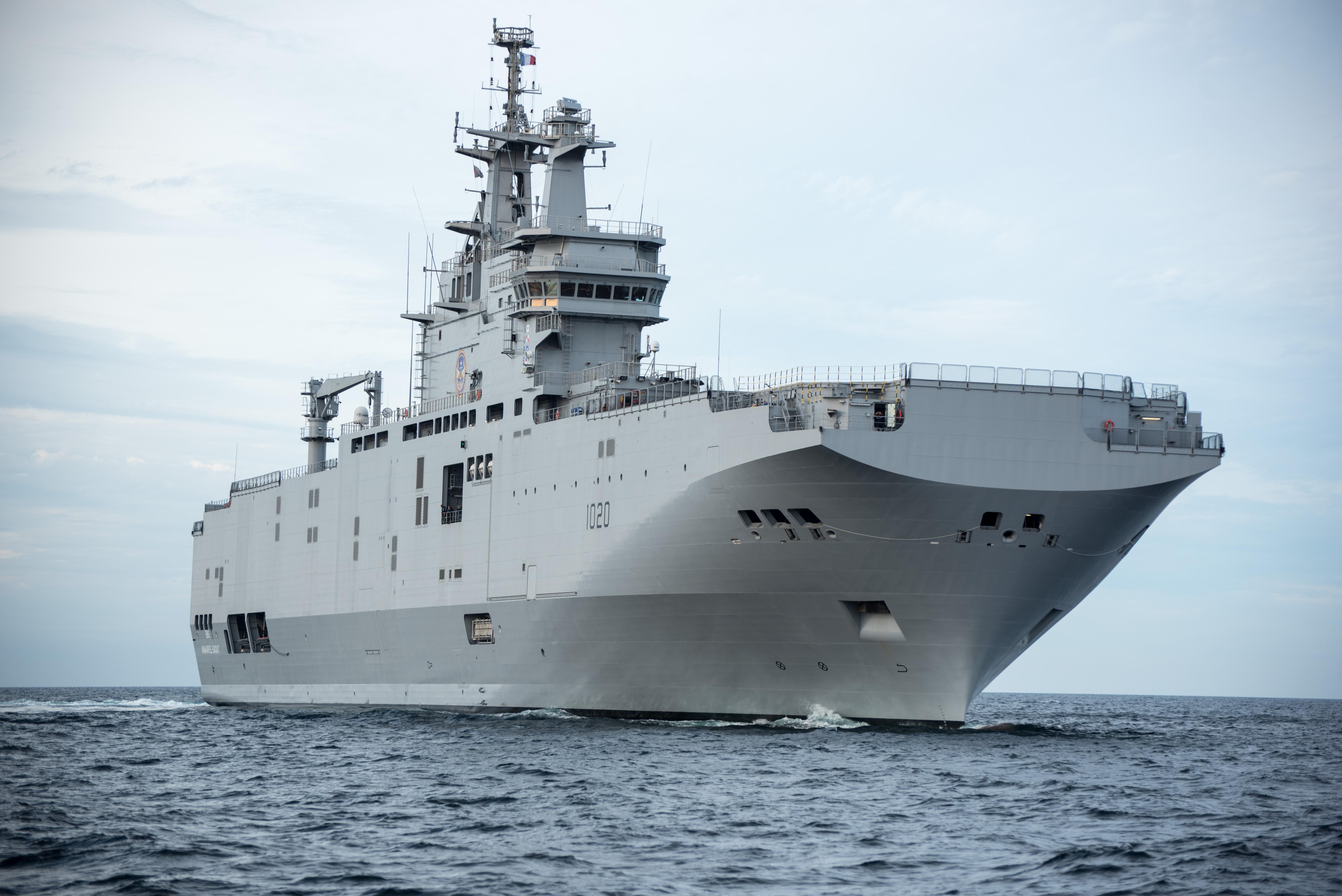 DCNS предаде на ВМС на Египет и втория десантен кораб-док тип BPC Mistral. Корабът ще се казва LHD Anwar El Sadat (СНИМКИ)