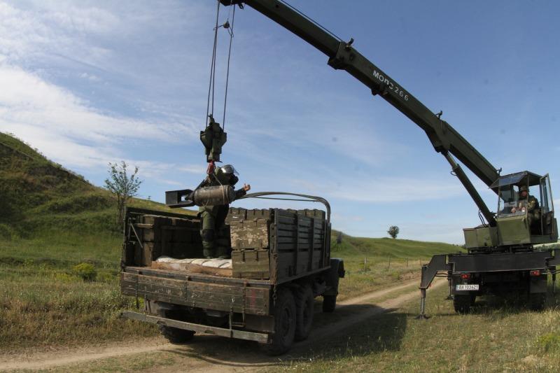 """Взвод за обезвреждане на взривни материали от състава на Сухопътните войски  получи оценка """"Боеготов""""  за изпълнение на дежурство към Силите за незабавно действие на НАТО"""