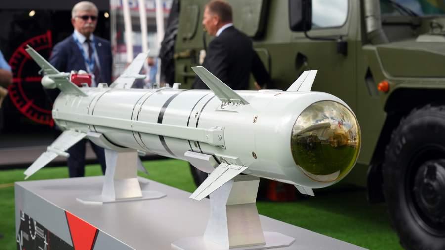 """ЛМУР """"Изделие 305"""" - нова самонасочваща се ракета за руската авиация (ЕКСКЛУЗИВНИ СНИМКИ)"""
