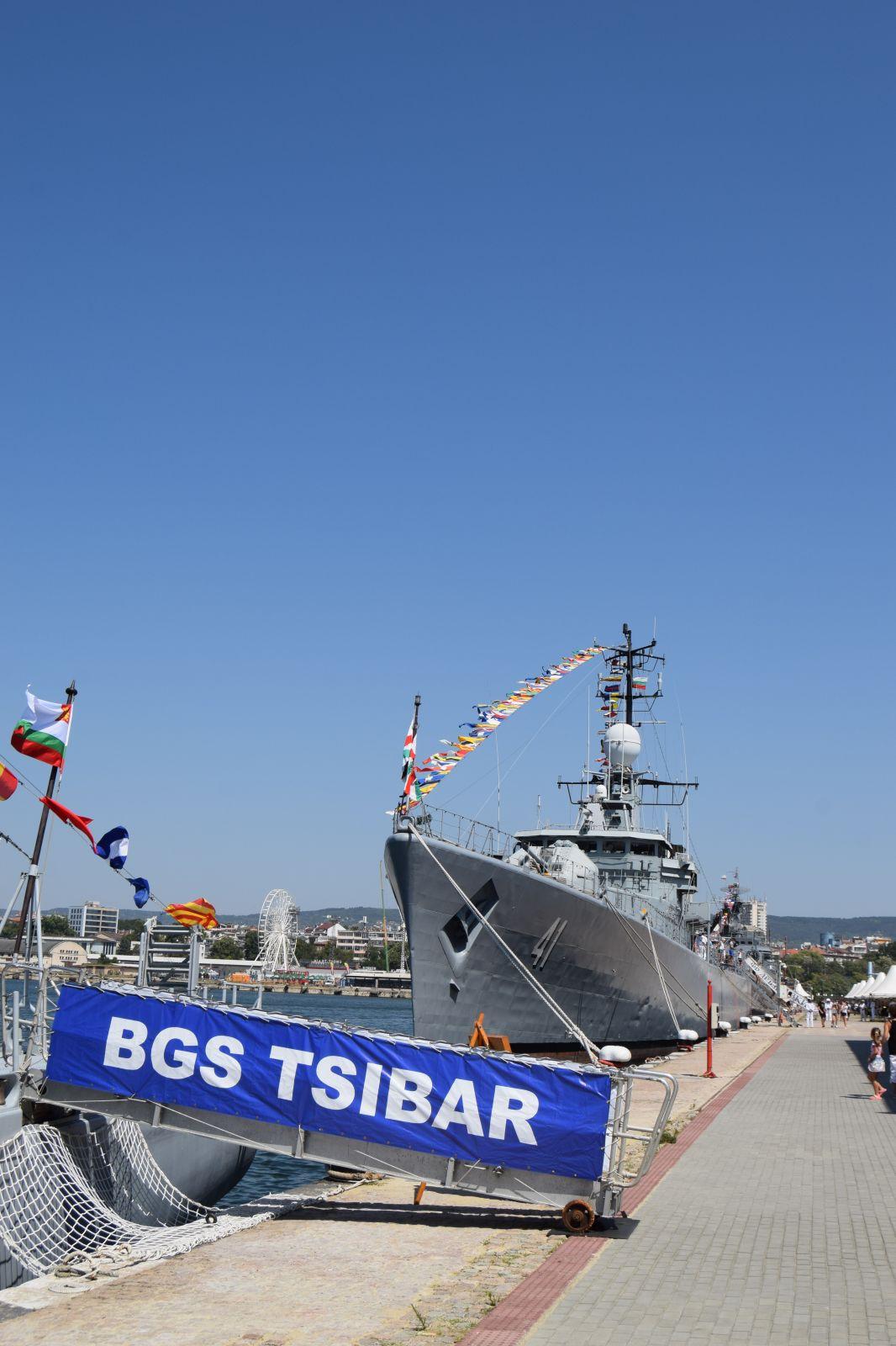 Празникът на ВМС факт, въпреки COVID-19 (ЕКСКЛУЗИВНА ПРАЗНИЧНА ГАЛЕРИЯ)