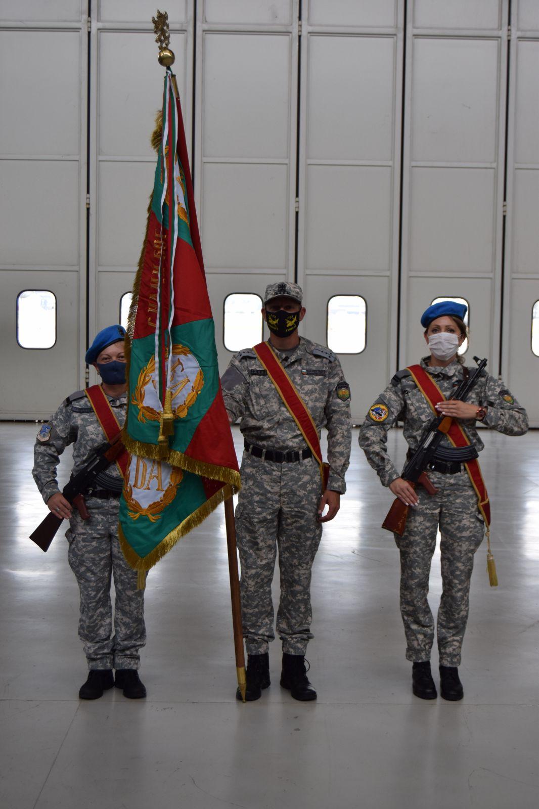 73 години военнотранспортно формирование в България и 68 години от създаването на 16-и транспортен авиополк (ОГРОМНА ЕКСКЛУЗИВНА ПРАЗНИЧНА ГАЛЕРИЯ)
