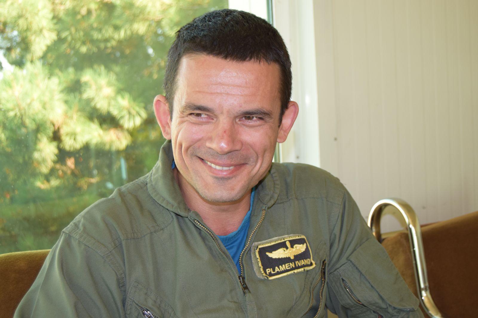 """Компютърният клас и тренажорът за Pilatus PC-9M помагат за обучението на курсантите-пилоти от I курс на ВВВУ """"Г. Бенковски"""" (ГАЛЕРИЯ)"""