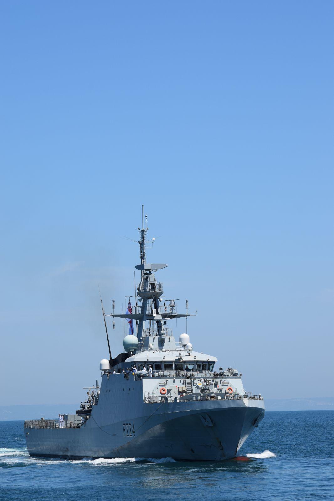 """Учението """"Бриз 2021"""" - Епизод 8 и Епизод 9 """"Отдаване на чест при среща на военни кораби на море"""" (ОГРОМНА ЕКСКЛУЗИВНА ПАРАДНА ГАЛЕРИЯ)"""