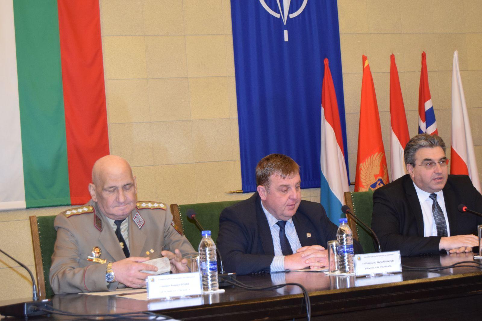 ГОРЕЩА НОВИНА: Министър Каракачанов: Няма международни правни пречки пред ремонта на Су-25, първият самолет се връща през юли