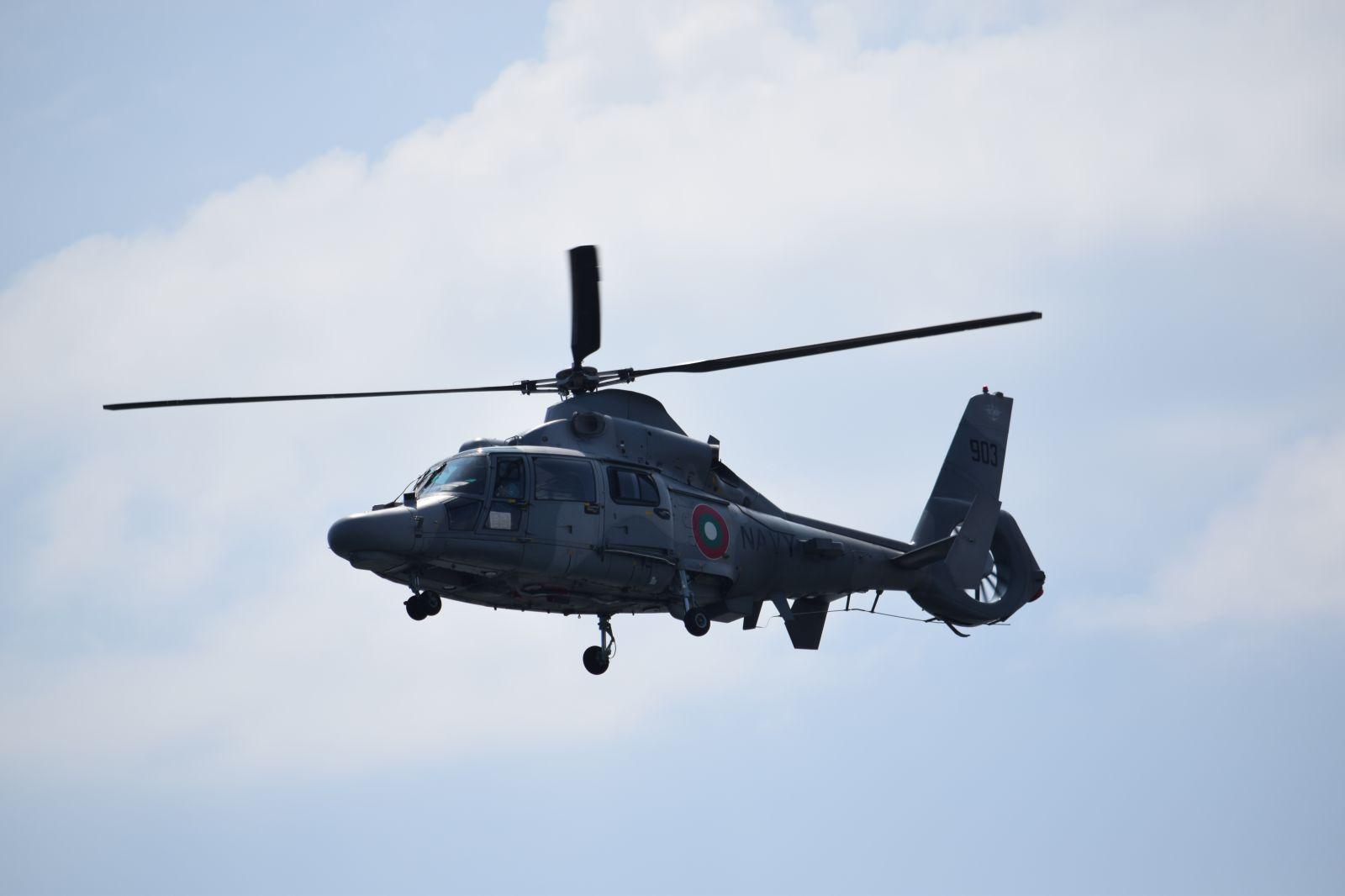 """ВМС се подготвят за """"Парад 2019"""" – част 3 Динамичната част от демонстрациите с вертолети AS565MB Panther и командосите от МСРО (ГОЛЯМА ЕКСКЛУЗИВНА ГАЛЕРИЯ)"""