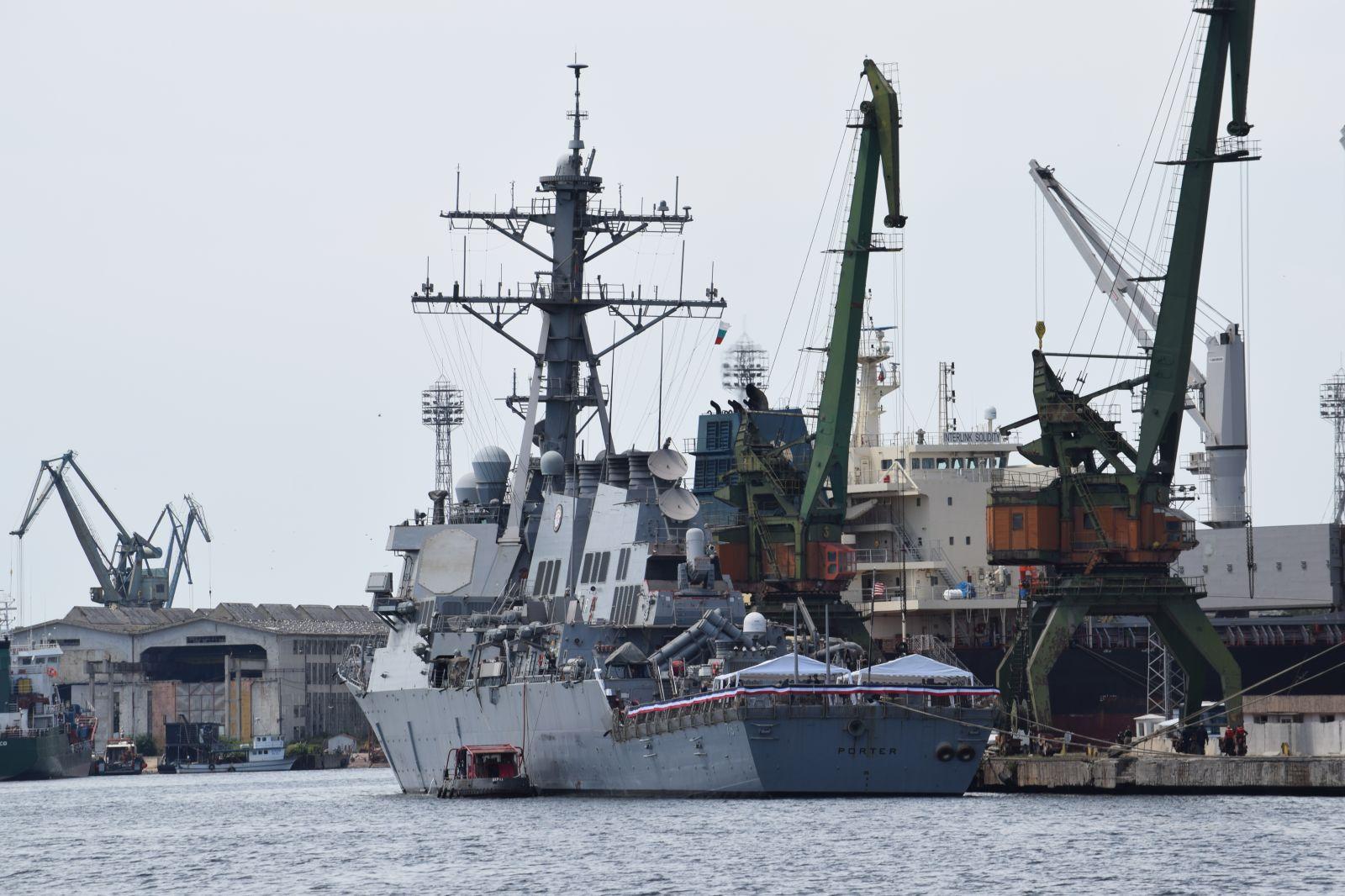 DDG-78 Porter – американски разрушител, нанесъл удари по Сирия, на визита във Варна  (ЕКСКЛУЗИВНА МОРСКА ГАЛЕРИЯ)