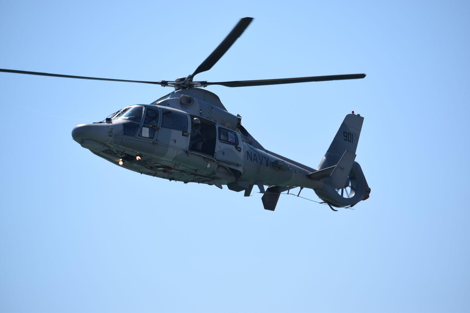 """Корвета 13 """"Решителни"""" и вертолет AS565MB Panther участват в съвместно учение от типа PASSEX в западната част на Черно море"""