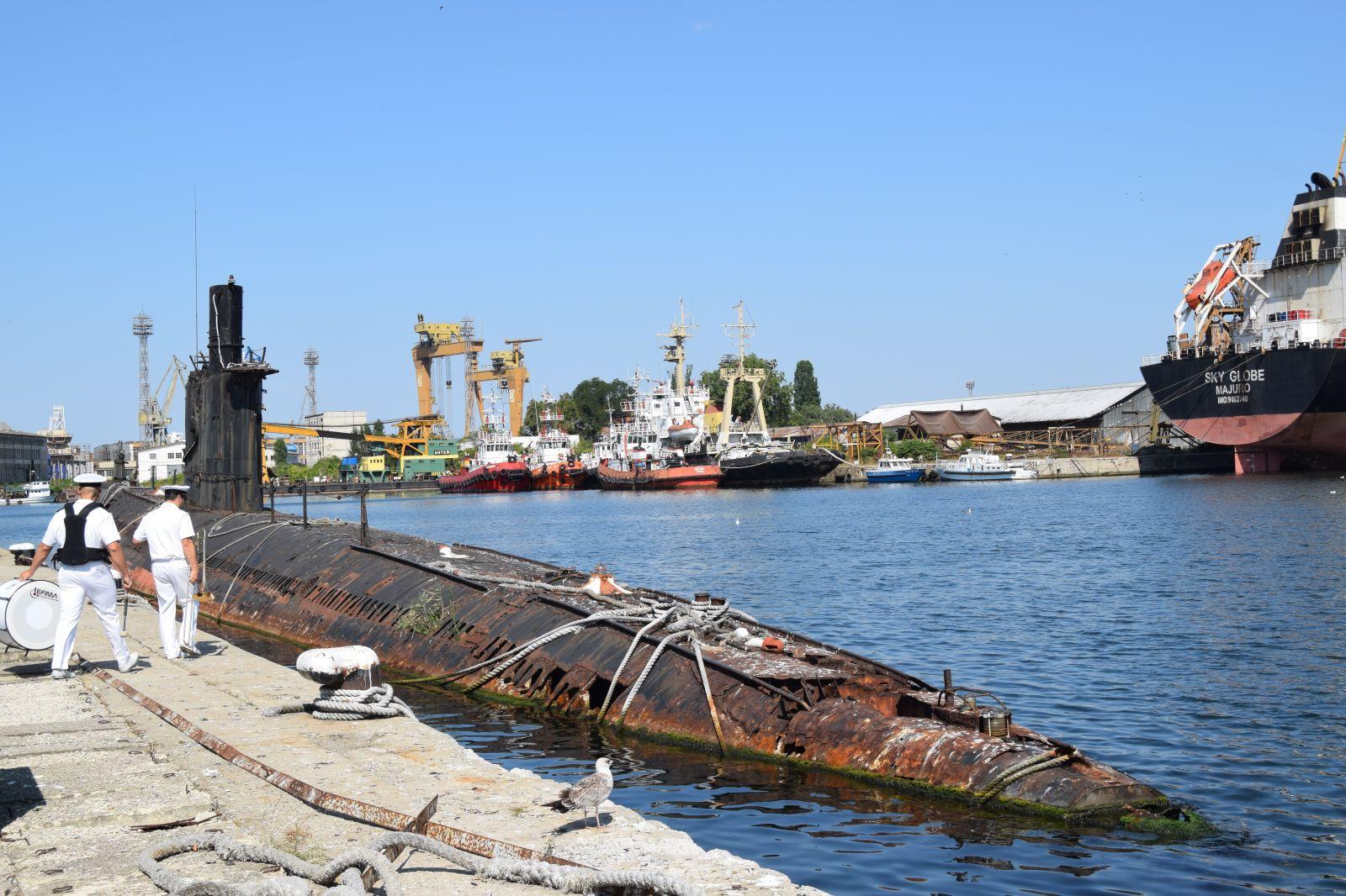 65 г. от създаването на 8-и дивизион подводни лодки и възстановяването на подводното плаване в България - тъжен помен (ГОЛЯМА ВОЕННОМОРСКА ГАЛЕРИЯ)